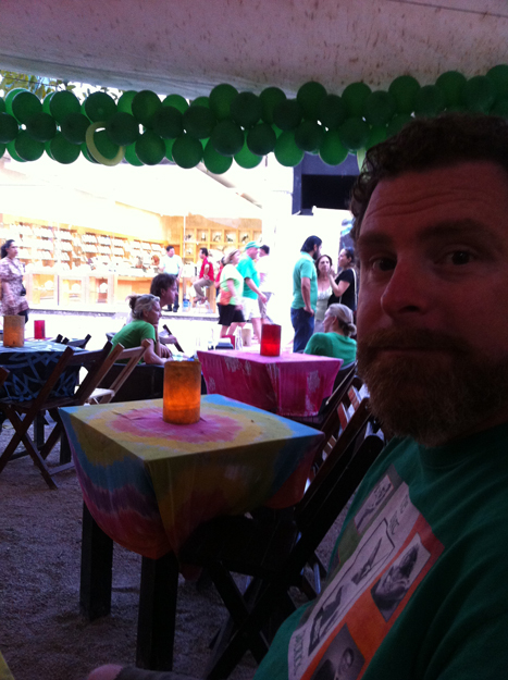 Hanging on St. Paddy's Day in Playa del Carmen