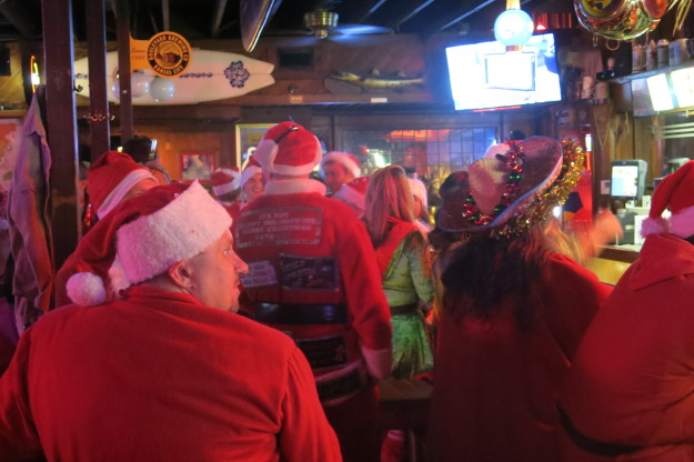 Just a bar full of Santas - nothing to see here.