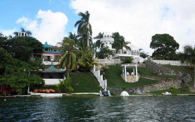 Houses on Bacalar Laggon