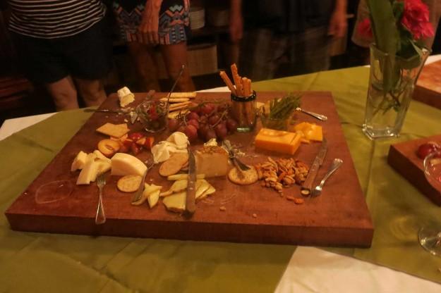 Leaky-Palapa-Cheeses